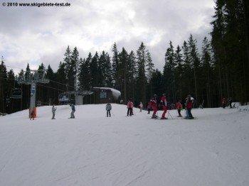 Die Bergstation reicht bis auf 1120m. Dank des kalten Böhmerwindes ist Zadov Churanov trotzdem recht schneesicher.