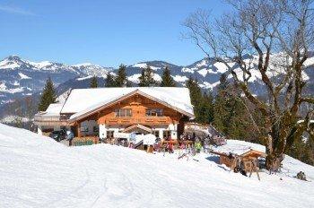 Auch für Einkehrmöglichkeiten ist im Skigebiet ausreichend gesorgt.