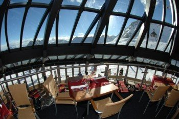 Speisen unter einer Glaskuppel: das Restaurant Gletschergarten.