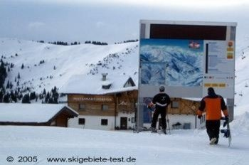 Beginners should use the many maps and signs around the slopes to avoid getting lost!
