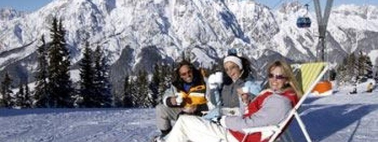 Sun worshippers have ideal opportunities to enjoy the sun at this ski resort!