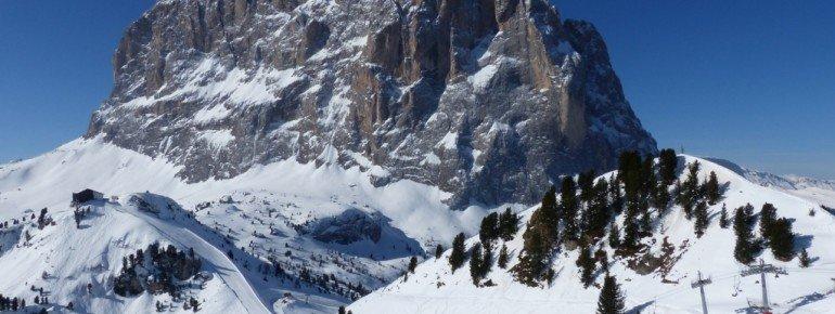 Panorama vom Ciampinoi (2254m) auf den den Langkofel (3181m)