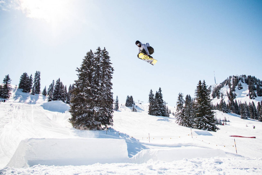 Terrain Park Snowpark Gstaad • Snow Park • Freestyle Skiing