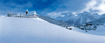 Located at altitudes above 1,600 meters, snow is guaranteed in Arosa.