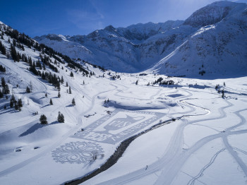 Gastein Valley and its stunning mountain-scape are perfect for Nordic skiing as well as many other winter activities.