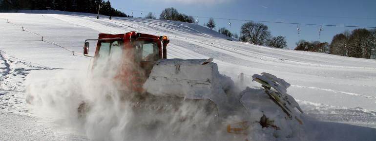 Pistenbully am Skilift Felderhalde in Isny im Allgäu