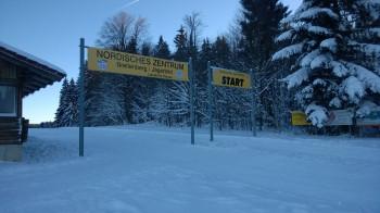 Auf der 2,5 Kilometer langen Wettkampfloipe kannst du dein Können unter Beweis stellen.