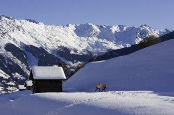Die Langlaufregion ist eingebettet in eine traumhafte Bergwelt mit imposanten Gipfeln.
