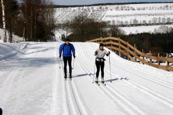Im Skilanglaufzentrum Westfeld/Ohlenbach erwarten dich mehr als 90 Loipenkilometer.