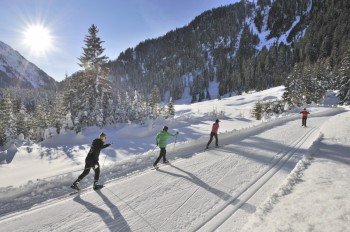 A great variety of tracks helps you discover the beautiful winter landscape of Arlberg.