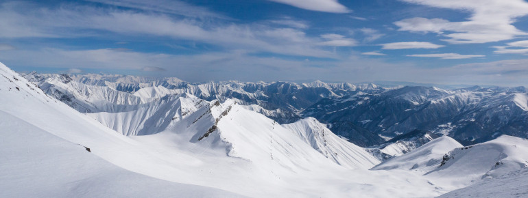 At the Caucasus, great slopes as well as amazing panoramas are waiting for you.