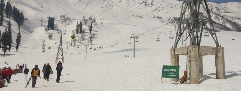 Gulmarg in der Region Kaschmir ist das berühmteste Skigebiet Indiens.