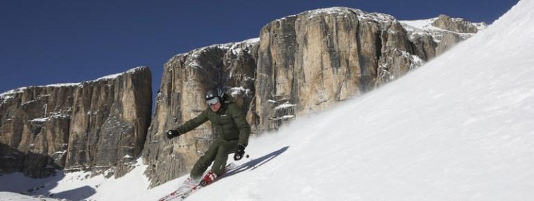 Skifahren vor einer einzigartigen Bergkulisse