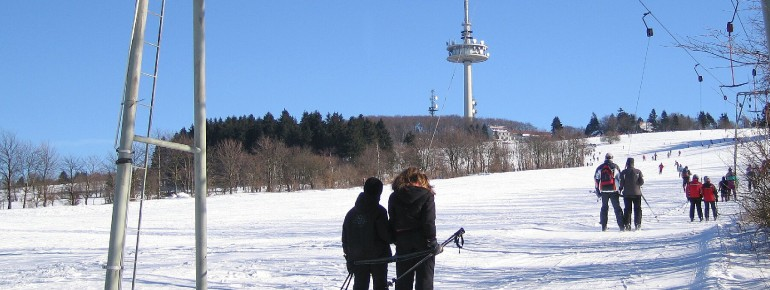 Der Hoherodskopf ist das einzige Skigebiet im Vogelsberg